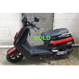 Niu NGT Electric Moped Black Red Ex-demo