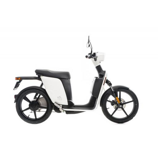 Askoll ES2 Electric Moped White Right