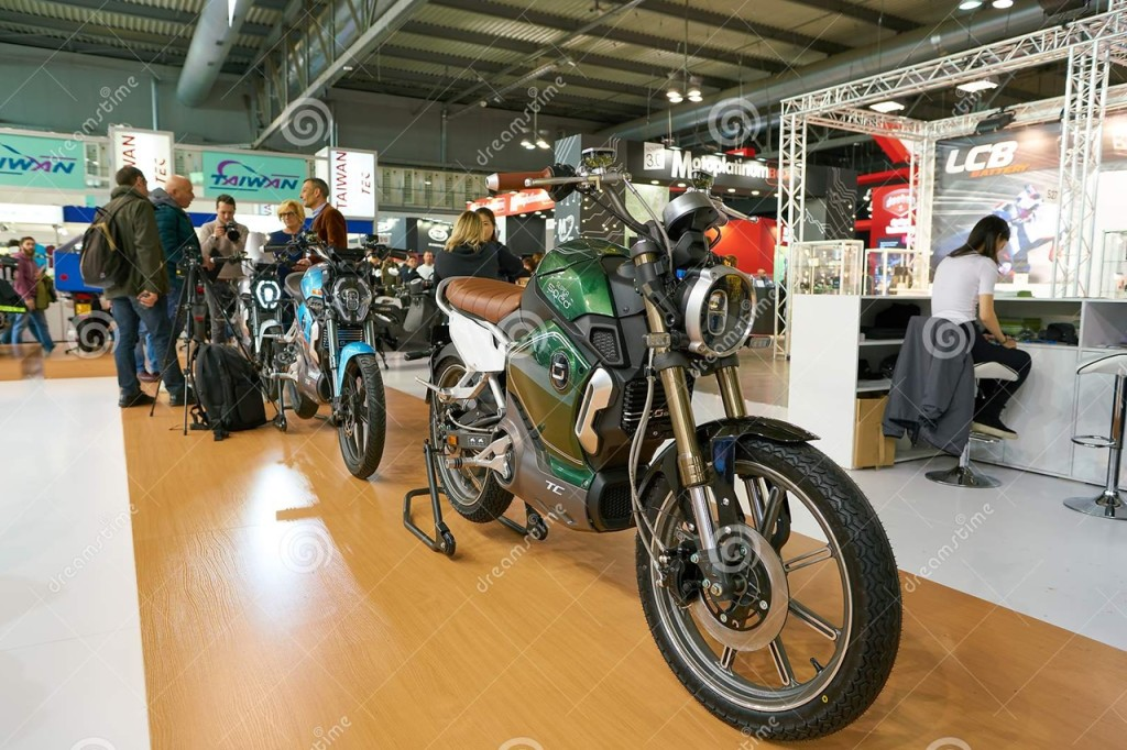 EICMA 2017 - Electric Moped/Motorbike Review