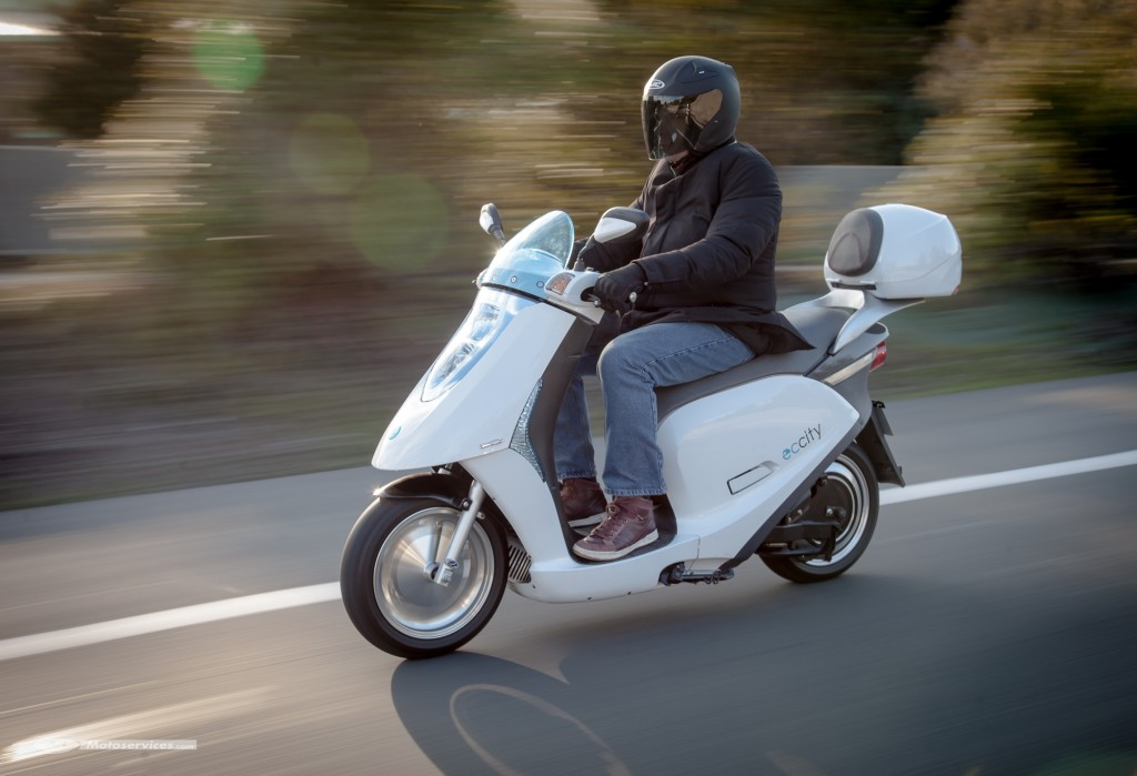Review of the ECCity Model 50 (470) 4kw Electric Moped