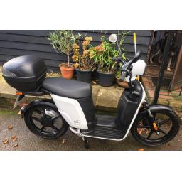 Askoll ES2 Electric Moped White PreOwned Right 1019