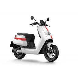 Niu NQiGTs Sport White Red Front Left.jpg