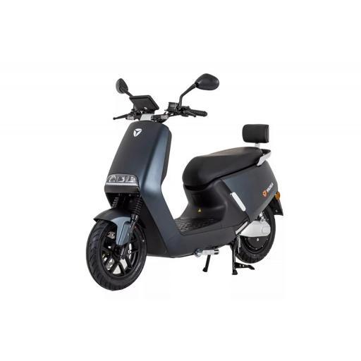 Yadea G5 Electric Moped Graphite Front Left