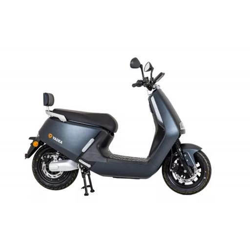Yadea G5 Electric Moped Graphite Right