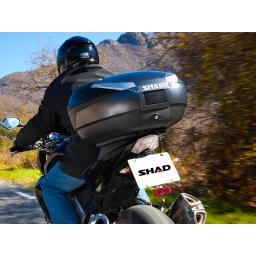 Shad SH48 Top Box Carbon Mounted