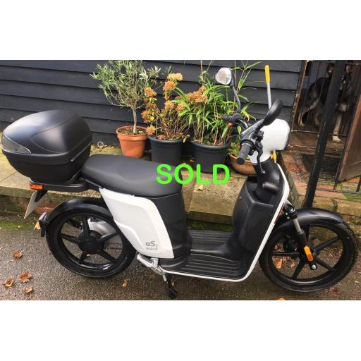 Askoll ES2 Electric Moped White PreOwned Right Sold.jpg
